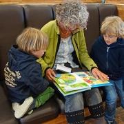 Abuelos y nietos y abogados